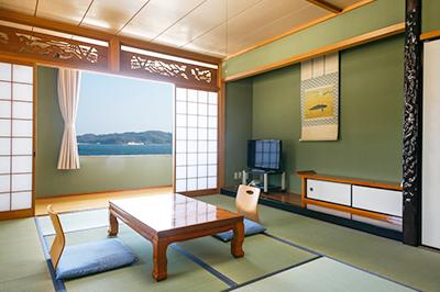 海が望める和室 写真